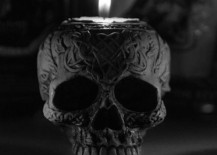 Ornate black skull candle holder 217x155 15 Creepy Gothic Candle Holder Ideas for a Scary Halloween