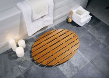 Oval bamboo bath mat