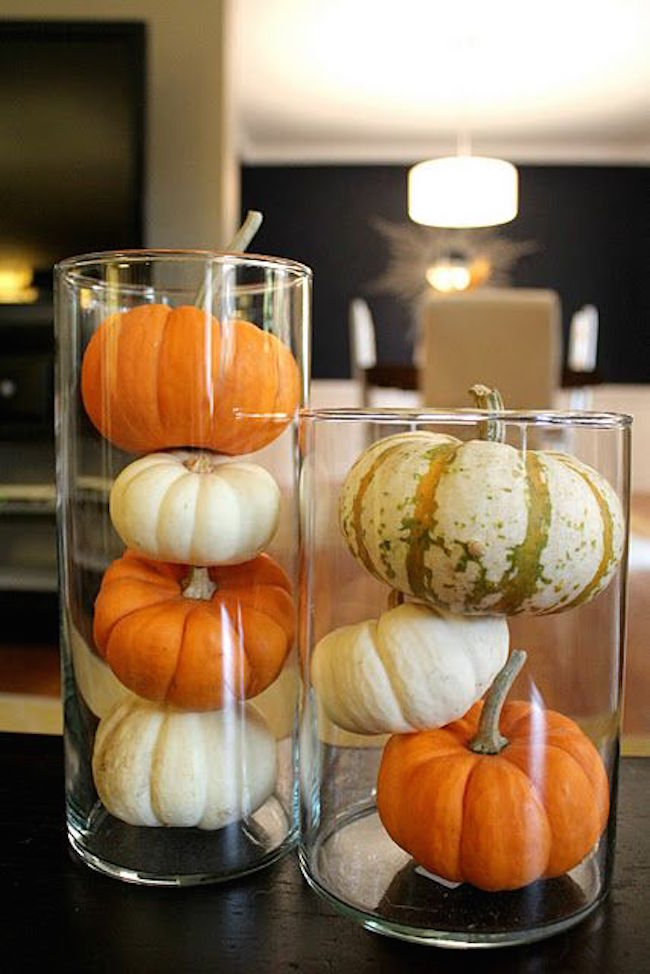 8 easy and chic ways to dress up your pumpkins for halloween for Simple pumpkin centerpieces