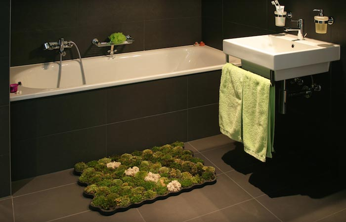 Real moss bath mat