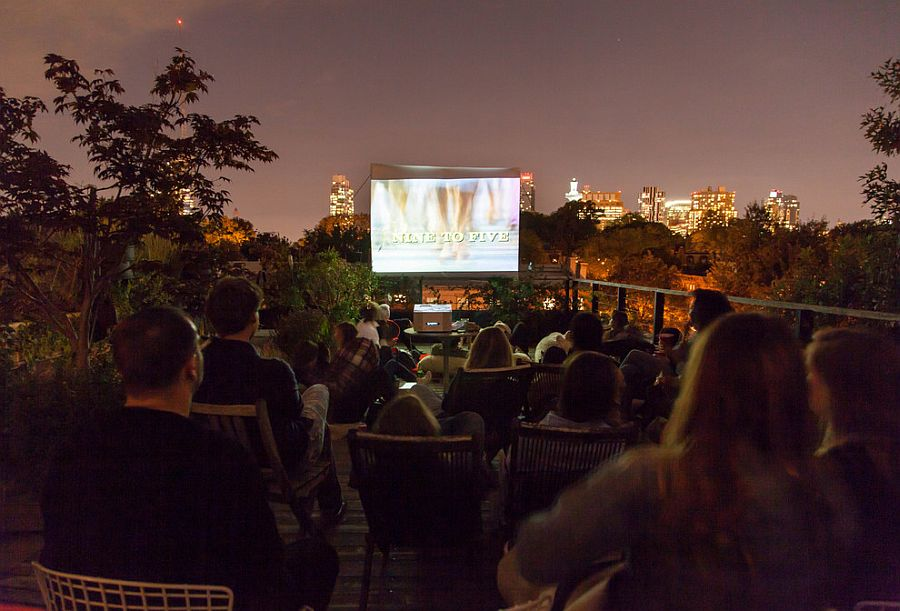 Rooftop garden turned into a fabulous outdoor theater [Design: Brook Landscape]