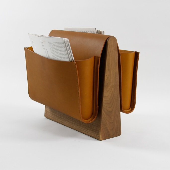 Saddle magazine rack with wood base