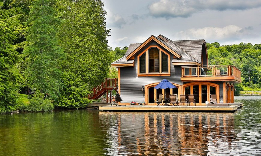 Rosseau Retreat: Rustic Lakeside Cottage Morphed into an Idyllic Escape!