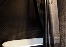 Small-bathroom-that-is-all-about-dark-beauty-217x155