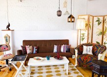 Smart living room with vintage touches