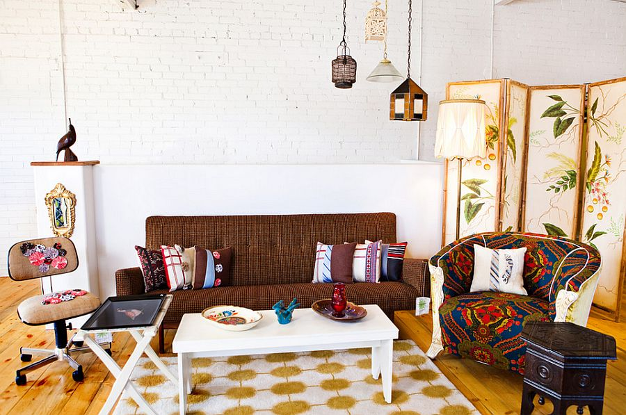 Smart living room with vintage touches [From: Vintage Renewal]