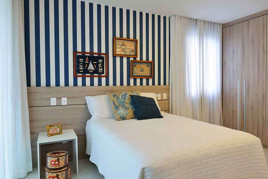 Striped accent wall for the small bedroom