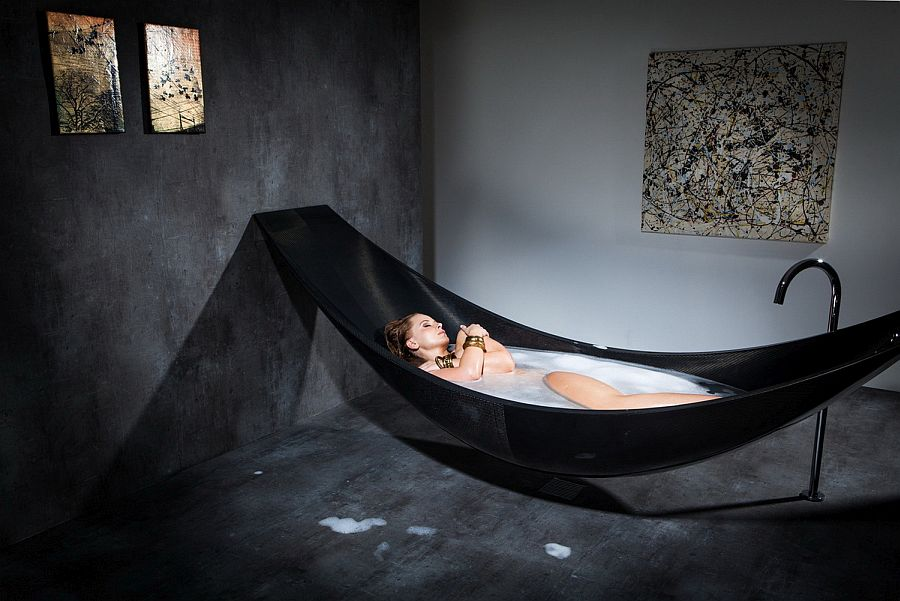 Stunning ultra-minimal design of the Vessel bathtub from Splinter Works