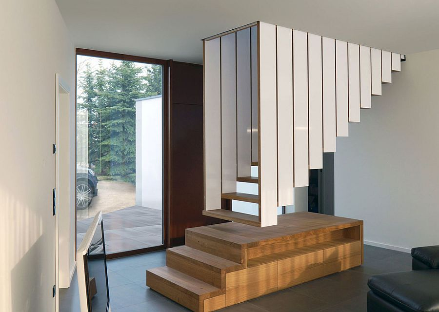 Unique floating staircase design that leaves you spellbound [Design: Blässe Laser Architekten]