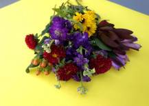A-grocery-store-bouquet-of-flowers-217x155
