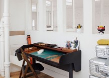 A-simple-way-to-decorate-a-modest-home-workspace-with-sleek-desk-217x155
