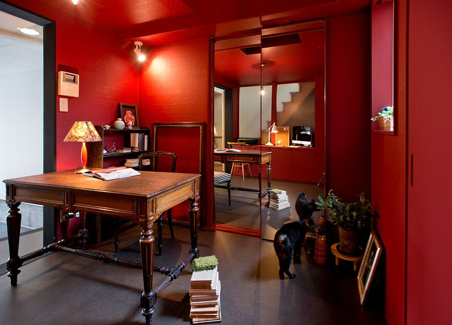 Asian-eclectic home office with plenty of red [Design: Deco-Te]