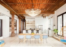 Beautiful chefs kitchen adds to the appeal of the exqusite loft home 217x155 Williamsburg Loft: Industrial NYC Home Designed for a Chef and a Sculptor!