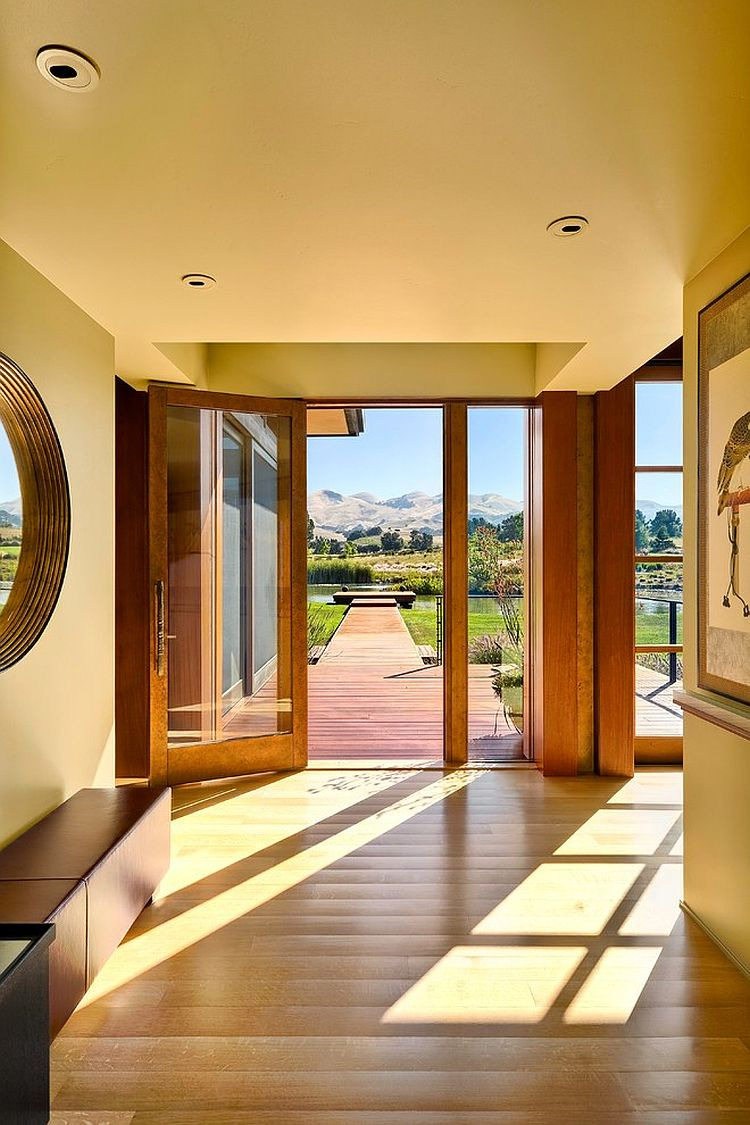 Beautiful entry of the contemporary Eckford Residence in Santa Barbara