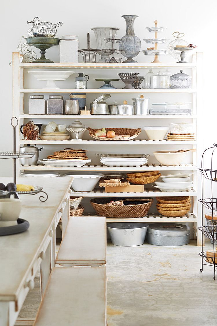 Clean white backdrop gives you more freedom with decorating choices in the shabby chic kitchen [From: Kenji MASUNAGA]