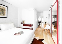 Clever-use-of-mirror-in-the-feminine-bedroom-to-create-the-impression-of-space-217x155