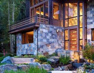 Rustic Modernity: Enthralling Vail Mountain Home Leaves You Awestruck!