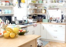 Corner-shelving-saves-up-precious-space-in-the-small-kitchen-217x155