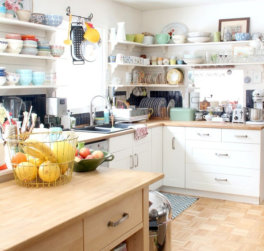 Corner shelving saves up precious space in the small kitchen