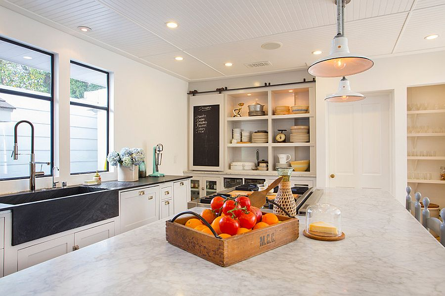 25 Trendy Kitchens That Unleash the Allure of Sliding Barn ...