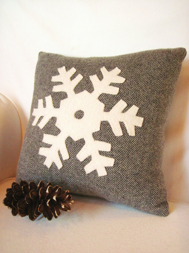 Throw Pillow Decorating Ideas : 8 Rustic Accent Pillow Ideas to Add Some Coziness This Winter