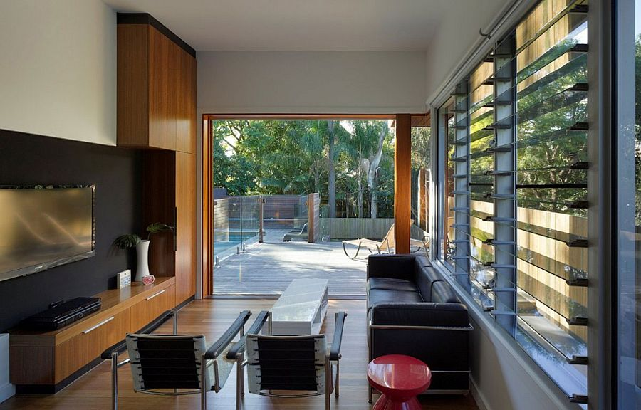 Design of the windows allows homeowners to switch between privacy and open views