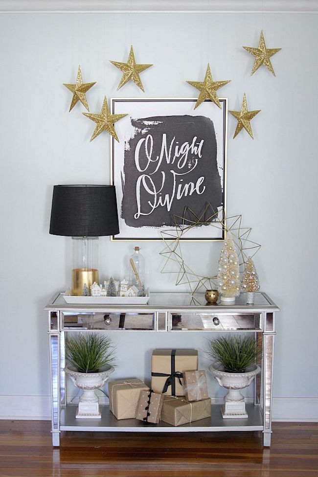Charming Holiday Decoration Ideas Part - 8: View In Gallery Entryway Table Decorated For The Holidays