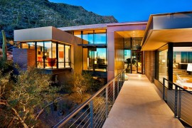 Solar Panels and Eco-Sensitive Design Create Smart Home in Sonoran Desert