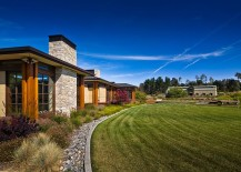 Fabulous-rustic-landscape-around-the-gorgeous-Eckford-Residence-217x155