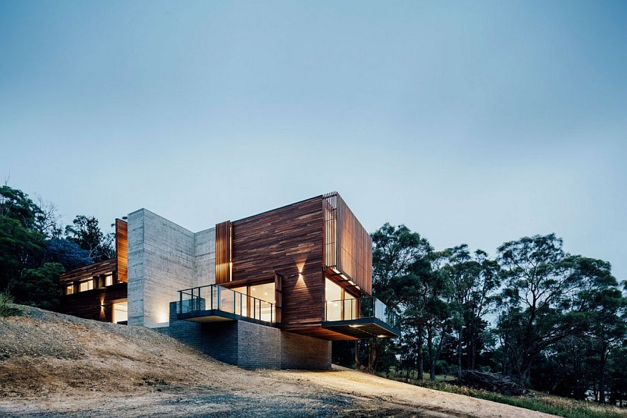 Fire resistant spotted gum cladding shapes the exterior of the house