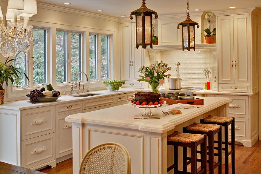 Gorgeous kitchen makes smart use of the corner space [Design: Alicia Shearer Interior Design]