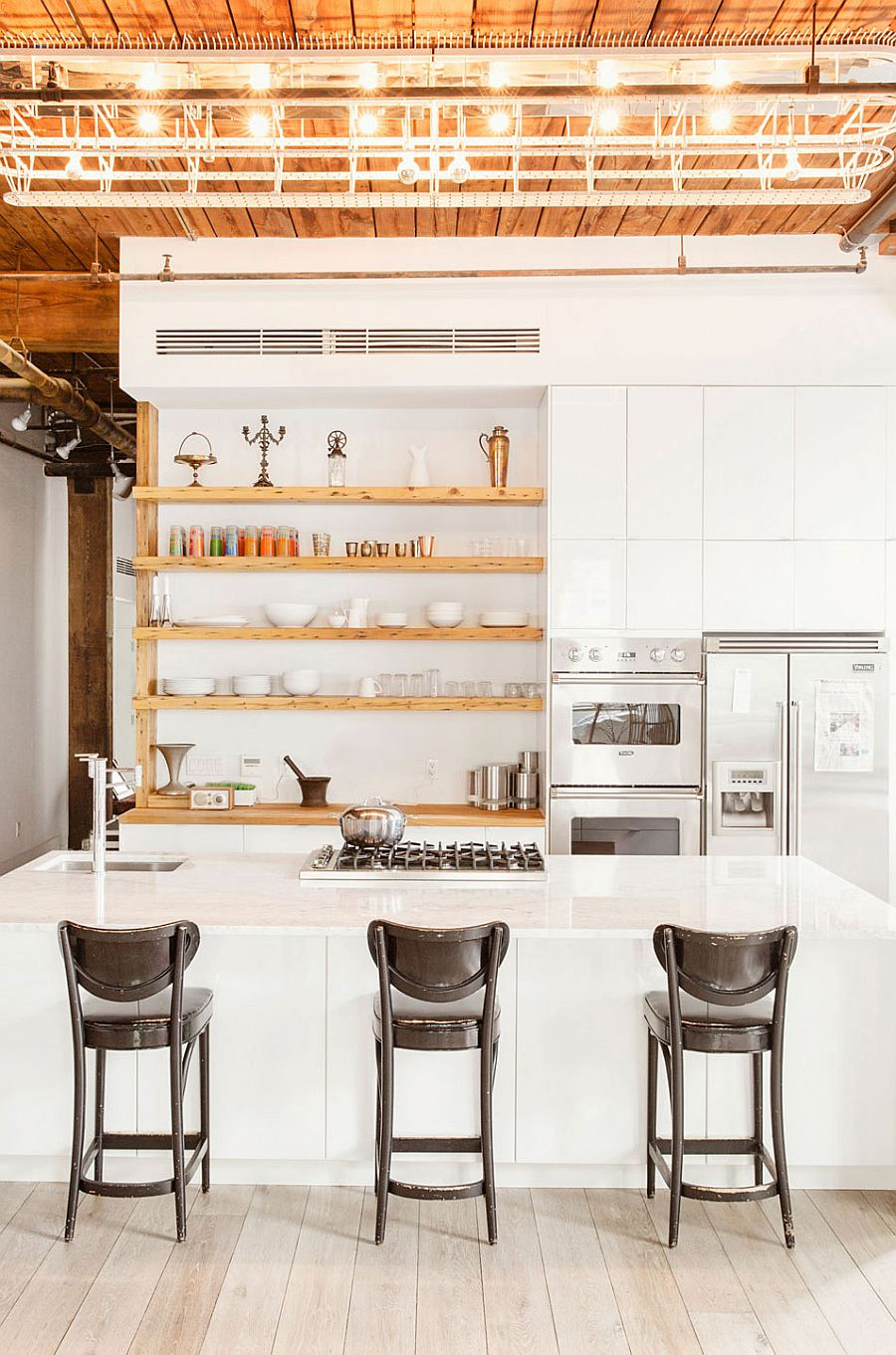 Williamsburg loft industrial nyc home designed for a chef for Industrial style kitchen