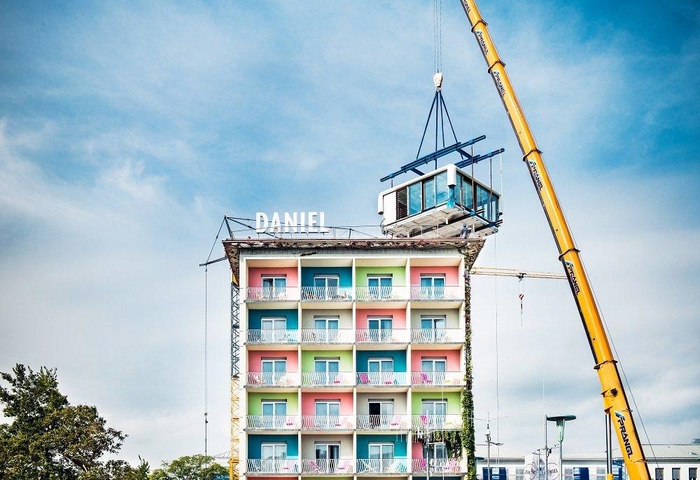 Installing LoftCube Hotel Daniel in Graz