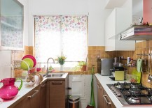 Kitchenware adds color to the shabby chic kitchen [From: Paolo Fusco Photo]