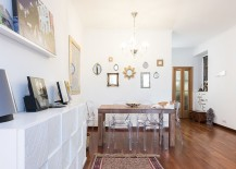 Lovely use of mirrors to decorate the small dining space