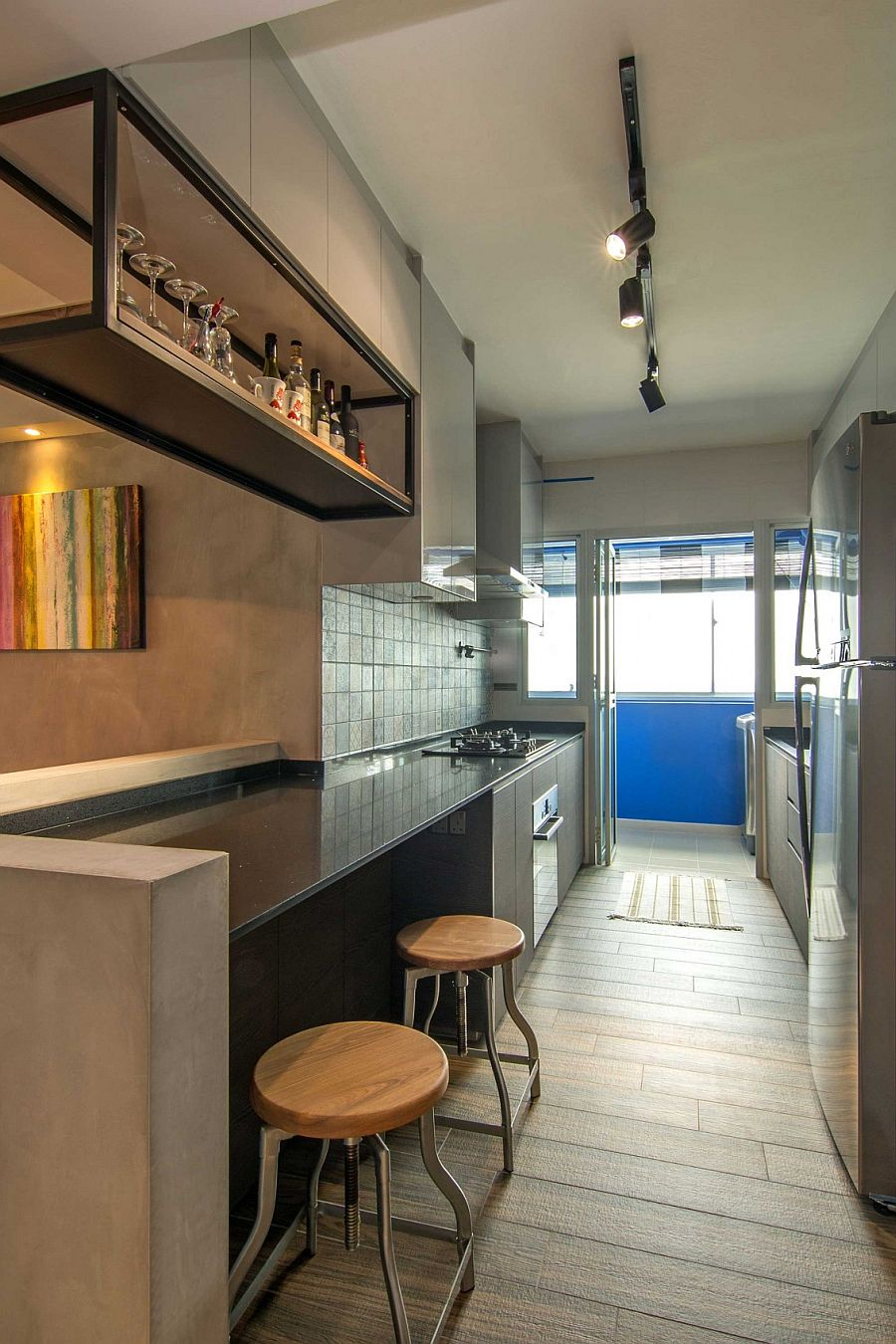 Making use of the vertical space on offer inside the small kitchen