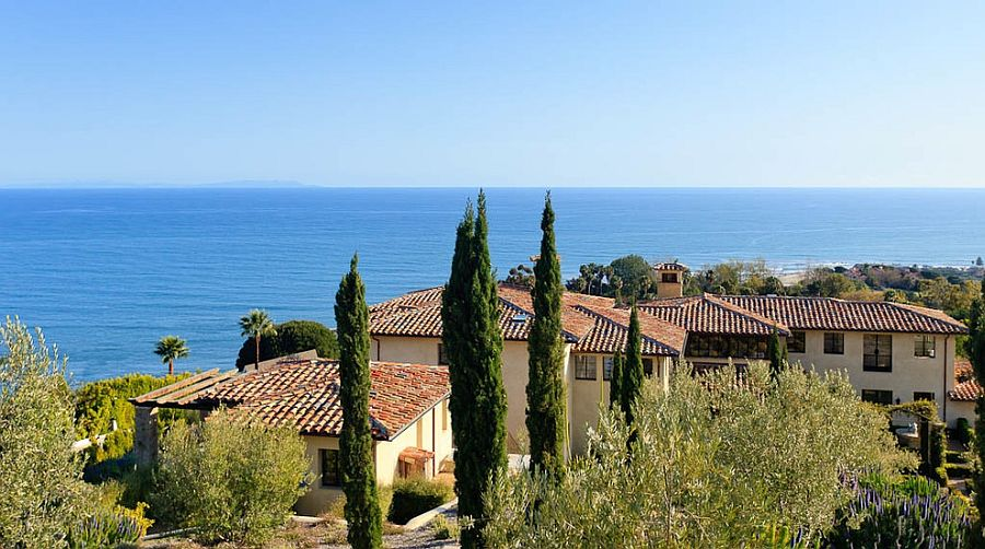 Mediterranean style villa in Malibu with Tuscan magic!