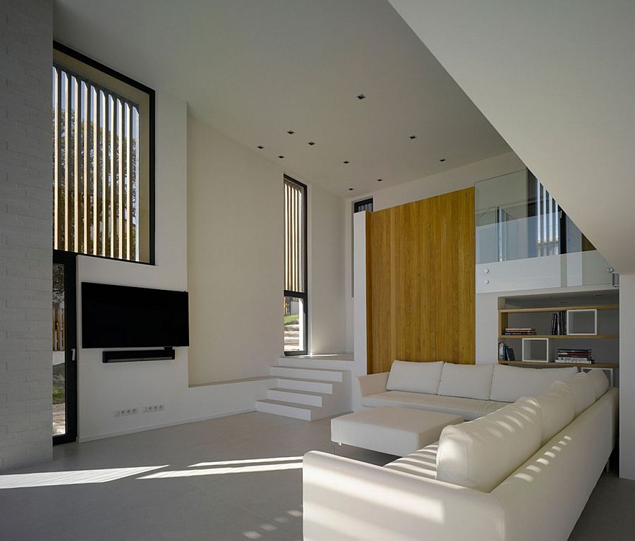 Minimal, modern interior of Villa Brash