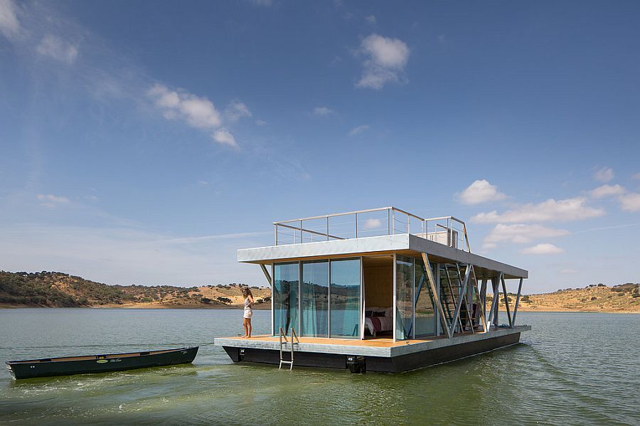 Modular design of the floating house allows you to add additional bedrooms