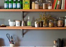 Open wooden shelves for the shabby chic style kitchen
