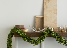 Preserved boxwood garland