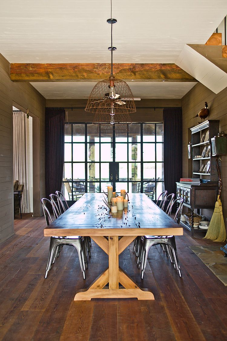 Rustic pendants make an impression when both switched on and off [Design: The Design Atelier]