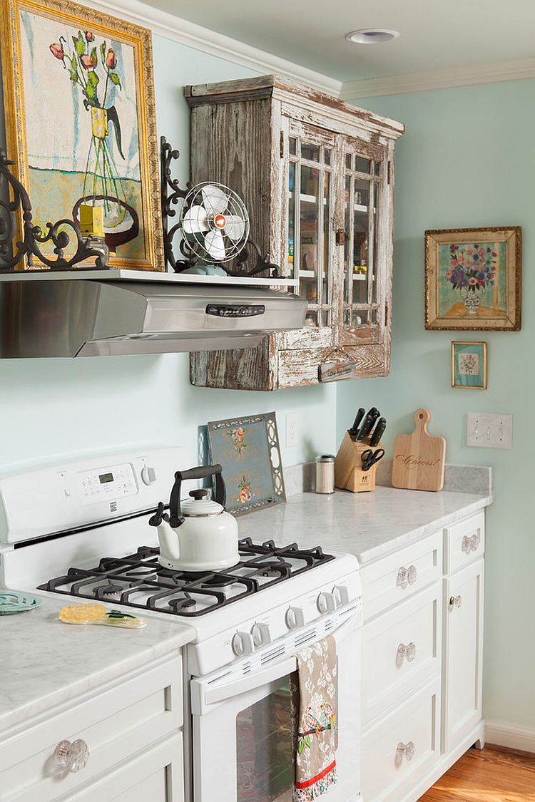 Etonnant ... Salvaged Cabinets And Antique Finds For The Smart, Shabby Chic Kitchen [ Design: En