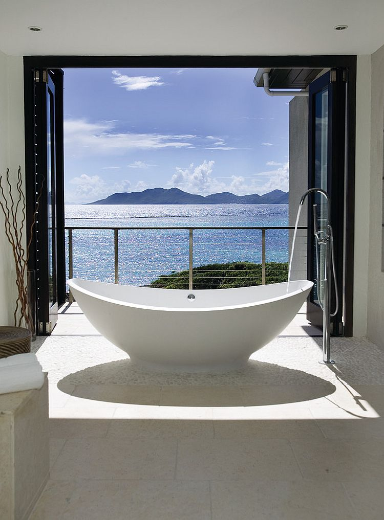 20 luxurious bathrooms with a scenic view of the ocean for View bathroom designs