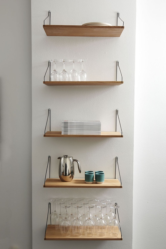 9 danish design brands hiding their light under a bushel - Etagere murale salon ...