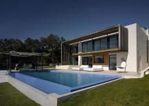 Sloped-landscape-reveals-the-gradual-levels-of-the-classy-modern-villa-217x155