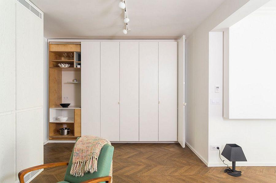 Smart bespoke kitchen design with stackable folding doors