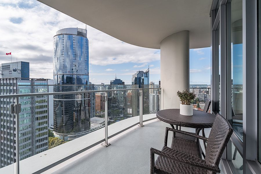 Sparkle of the surrounding high-rise structures adds to the appeal of the comfy condo