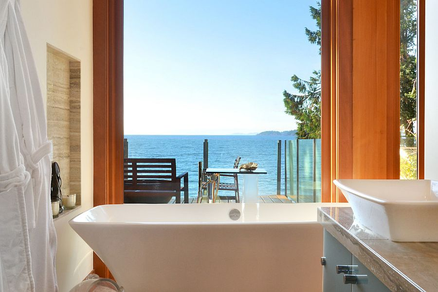 Take in the mesmerizing view as you soak in the bathtub [Design: Streamline Design]