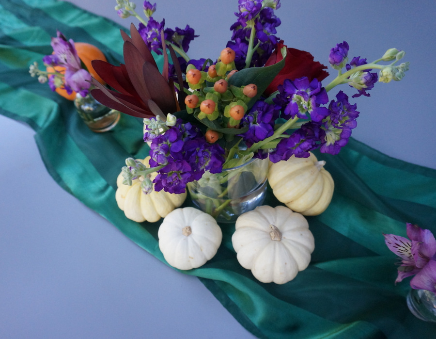 Thanksgiving centerpice with a green runner Make This Easy Thanksgiving Floral Centerpiece